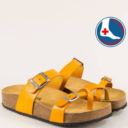 Оранжеви дамски чехли с велурена стелка- PLAKTON 341032j