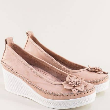 Кожени дамски обувки на клин ходило в розов цвят 31114810rz
