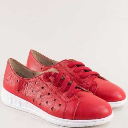 Кожени дамски обувки с перфорация в червено- RIEKER 3116chv
