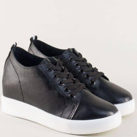 Спортни дамски обувки в черно с връзки на комфортно ходило 315001ch