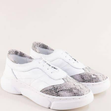 Кожени дамски обувки в бяло и сребристо на платформа 325187b