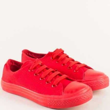 Детски кецове с връзки и равно ходило в червен цвят 343-35chv