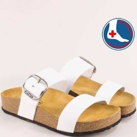 Бели дамски чехли с катарама и велурена стелка- PLAKTON 343004b