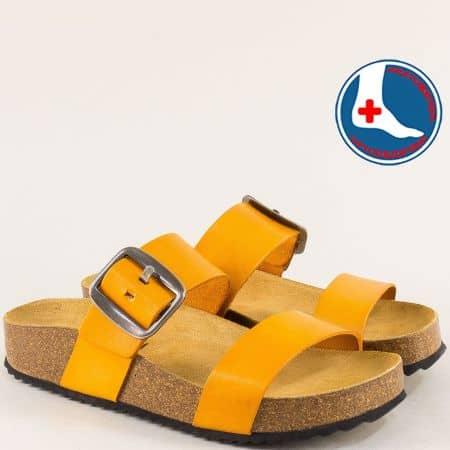 Дамски чехли от естествена кожа в жълто на анатомично ходило- PLAKTON 343004j
