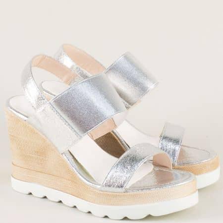 Сребристи дамски сандали на висока платформа 346329sr