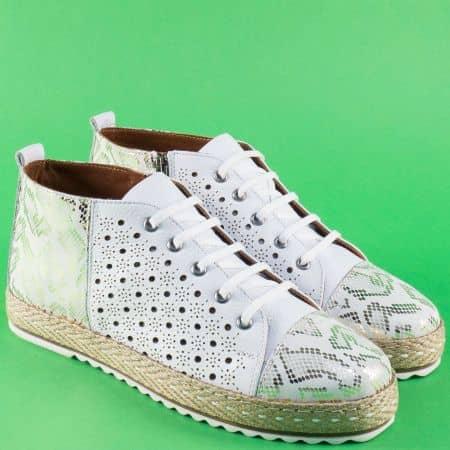 Бели дамски обувки от естествена кожа с перфорация 352b