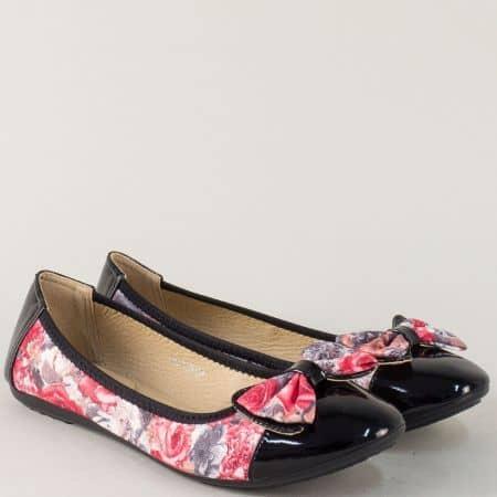 Черни дамски обувки с пъстър принт на равно ходило 3688ch