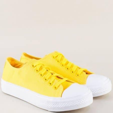 Жълти дамски кецове с връзки на равно, бяло ходило 375j