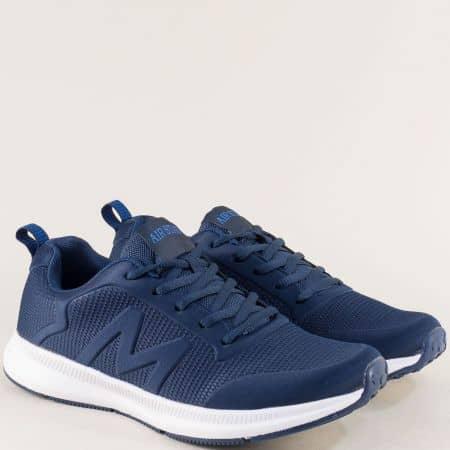 Тъмно сини мъжки маратонки на бяло ходило 400051s