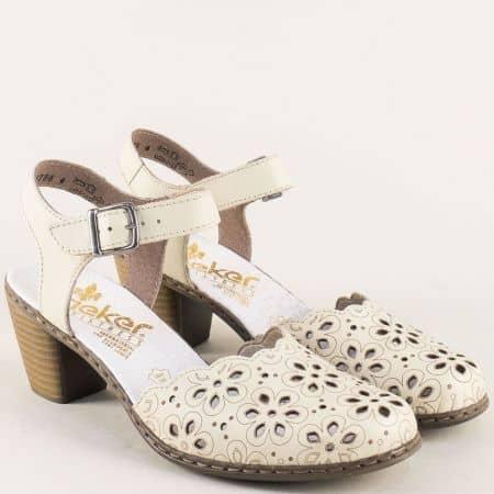 Бежови дамски сандали със затворени пръсти на ток  40953bj