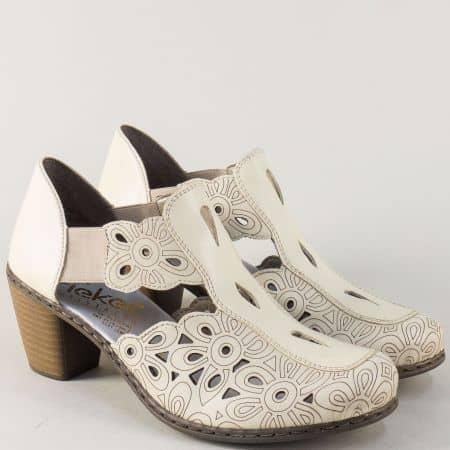 Шити дамски обувки в бежов цвят на среден ток- Rieker 4098680b