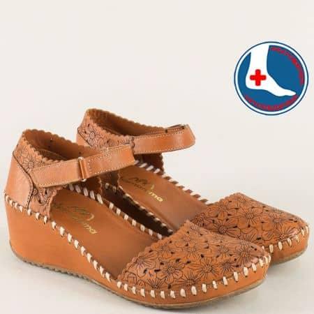 Кафяви дамски сандали със затворени пръсти и пета 4108k