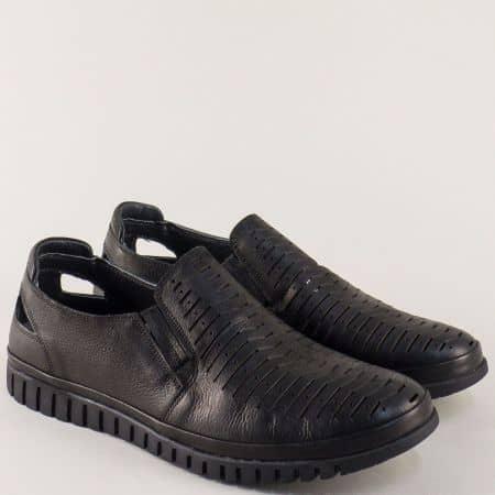 Кожени мъжки обувки на удобно равно ходило в класически черен цвят 411ch