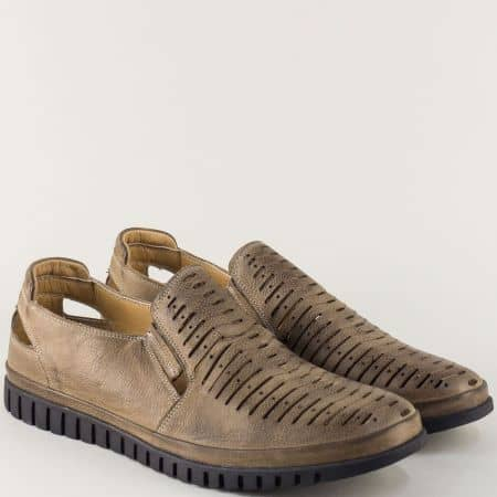 Кафяви мъжки обувки от естествена кожа с прорези 411k