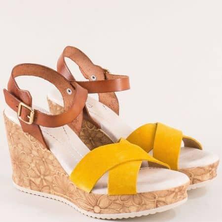 Дамски сандали от естествен велур и кожа в кафяво и жълто 4131jk
