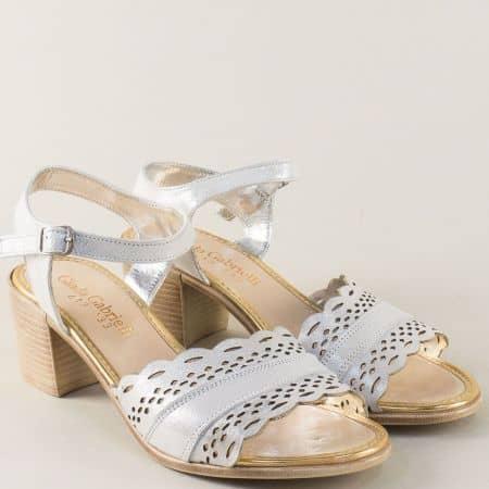 Сиви дамски сандали с перлен блясък на среден ток 413sv