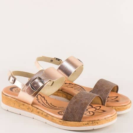 Кожени дамски сандали в злато и кафяво на платформа 4170zlk