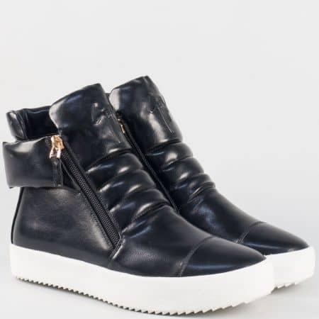 Модерни дамски обувки тип кец в черен цвят на платформа 4195ch