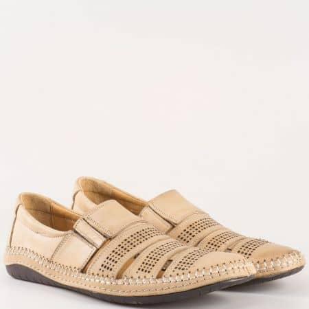 Шити мъжки обувки с ластик от перфорирана естествена кожа в бежов цвят 424102bj