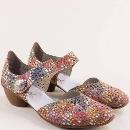 Кафяви дамски обувки с перфорация и пъстър принт- RIEKER 43765ps