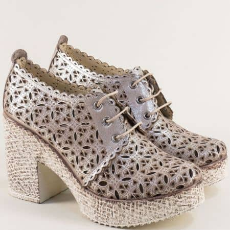 Кожени дамски обувки с перфорация на висък ток в сиво 446655sv