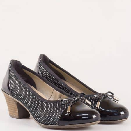 Черни дамски обувки на точки- Rieker, ходилото е шито на среден ток с кожена стелка 45081ch