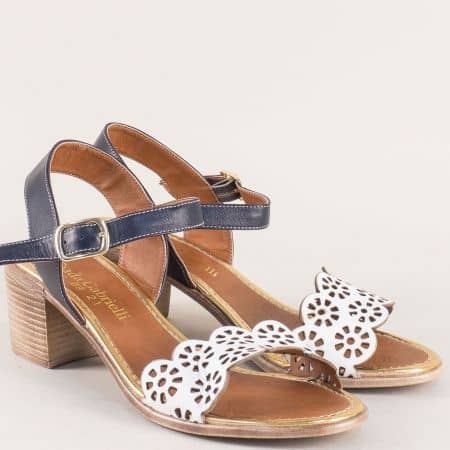 Дамски сандали в синьо и бяло с кожена стелка и катарама 450bs