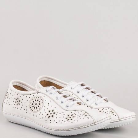 Равни шити обувки- дамски с връзки от бяла естествена кожа с флорална перфорация 451b