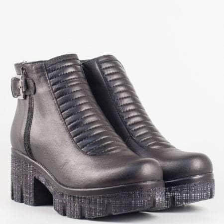 Дамски стилни боти на модерно ходило с грайфер в черен цвят m451ch