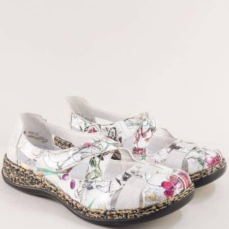 Бели дамски обувки с прорези и пъстър принт- RIEKER 4636bps