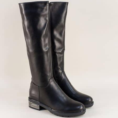 Дамски ботуши на декориран нисък ток в черен цвят 478692ch