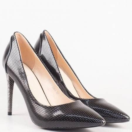 Черни дамски обувки на висок ток от еко лак 478lch