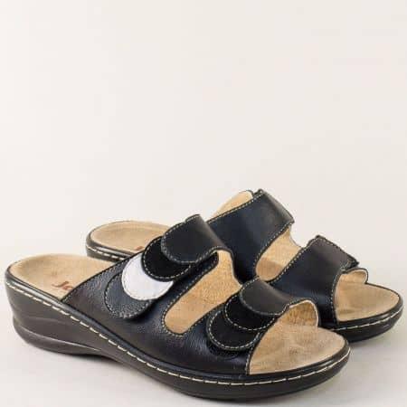 Кожени дамски чехли в черен цвят на платформа 4918ch