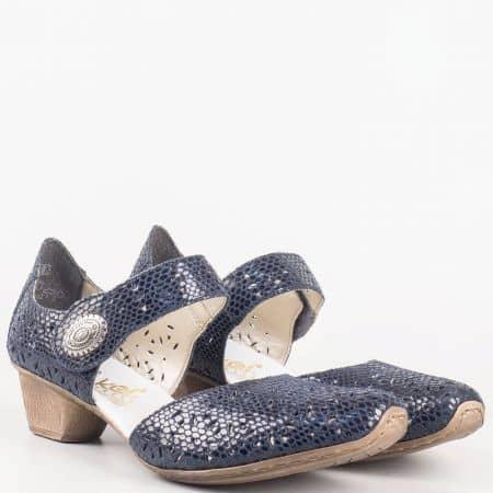 Швейцарски дамски обувки с лепка на среден ток от перфорирана естествена кожа със змийски принт в синьо- Rieker 49785s