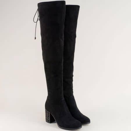 Черни дамски ботуши над коляното на абстрактен ток 498796vch