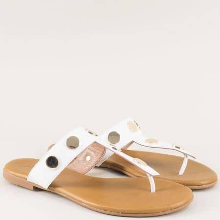 Бели дамски чехли от естествена кожа на равно ходило 5003b