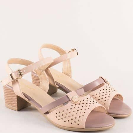 Бежови дамски сандали на среден ток 501001bj