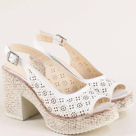 Кожени дамски сандали на висок ток в бяло 504655b