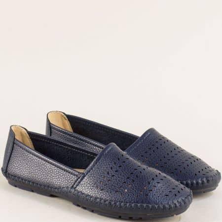 Равни дамски обувки в тъмно син цвят с перфорация 506004s