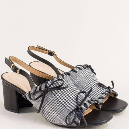 Дамски сандали с принт каре на висок ток в черен цвят- MAT STAR 508062ch