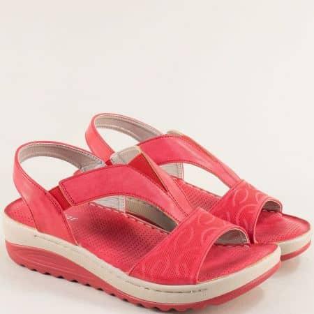 Червени дамски сандали с ластик на платформа- MAT STAR 508077chv