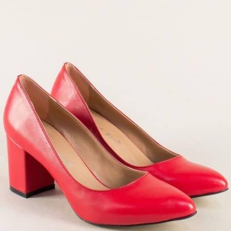 Червени дамски обувки със заострен връх и среден ток 5101chv