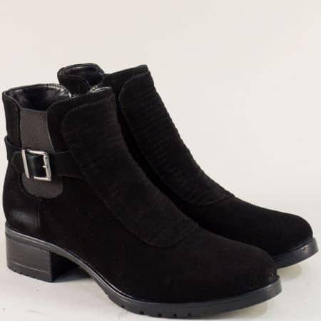 Дамски боти на нисък ток от естествен велур в черен цвят 5210vch