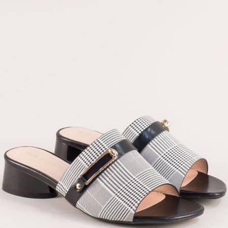 Дамски чехли на нисък ток в черно и бяло- MAT STAR 522015ch