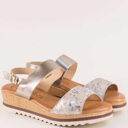 Кожени дамски сандали на платформа в сребро и злато 5225zlps