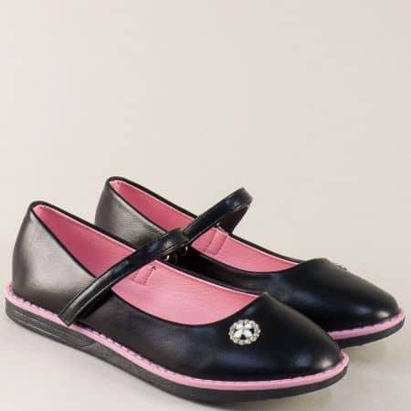 Равни детски обувки с коланче и лепка в черен цвят 524011ch
