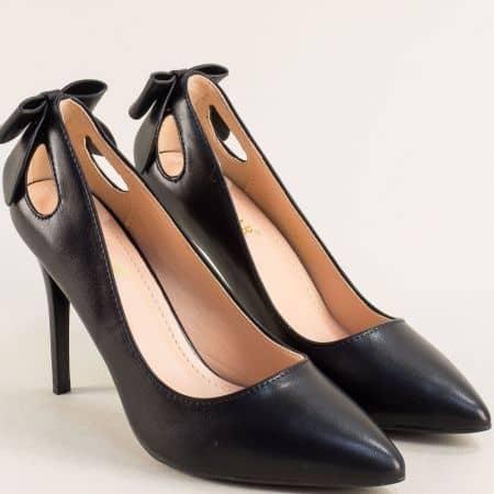 Елегантни дамски обувки на висок тънък ток в черен цвят 525039ch