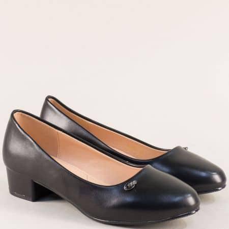 Дамски обувки в черен цвят на нисък ток- MAT STAR 525044ch