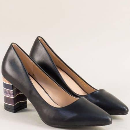 Дамски обувки в черен цвят на ефектен висок ток 525068ch