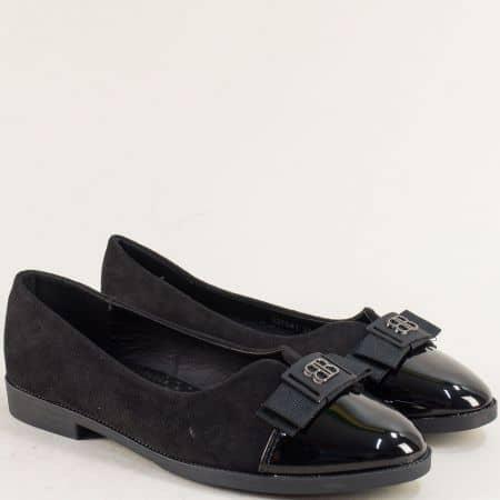 Равни дамски обувки с декорация в черен цвят- MAT STAR 525081nch
